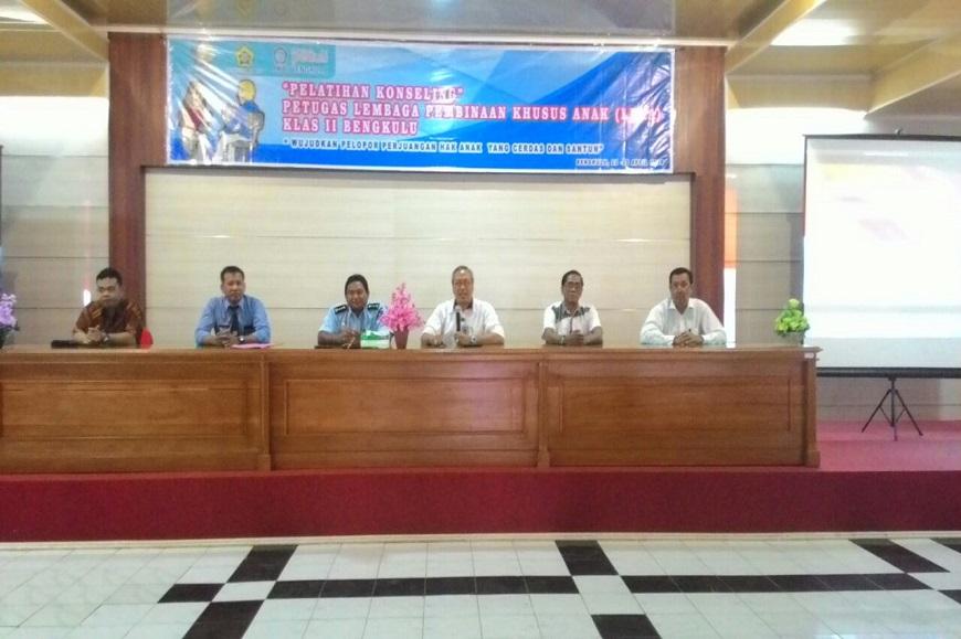 Lembaga Pembinaan Khusus Anak Mengadakan Pelatihan Konseling Bersama FKIP UNIB