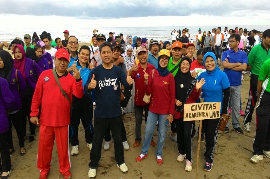 Pelepasan Tukik dan Penghijauan Pantai Bengkulu meriahkan Kegiatan Dies Natalis UNIB ke 36