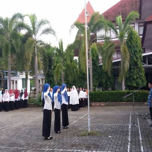 Kegiatan Upacara Bendera Pada Hari Senin FKIP UNIB