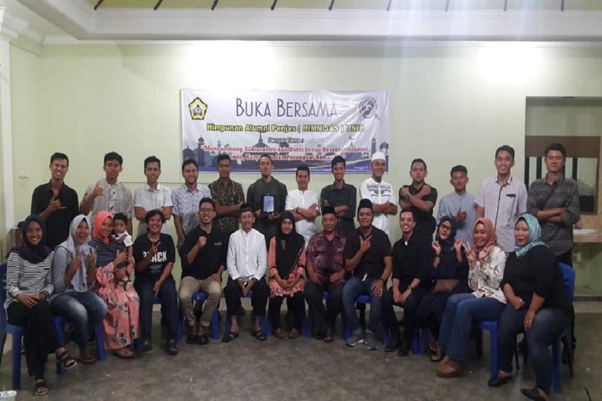 Kegiatan Bakti Sosial dan Buka Bersama Ramadhan 1439 H Himpunan Alumni Penjas FKIP UNIB