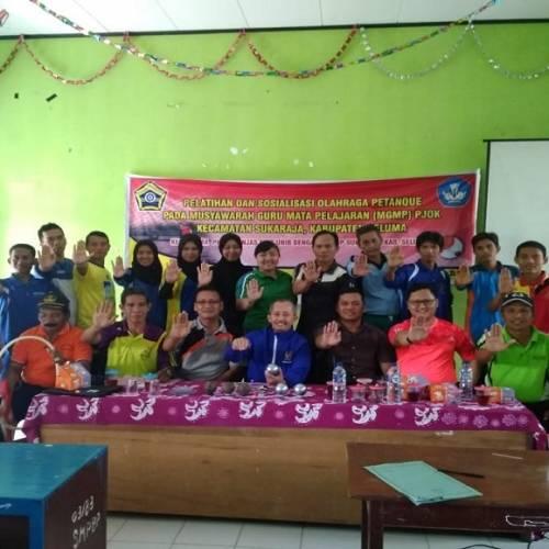 Kegiatan Sosialisasi dan Pelatihan Olahraga Petanque Dosen Prodi Penjas FKIP pada MGMP PJOK Kabupaten Seluma